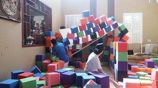BUILDING A FOAM PIT CASTLE GONE WRONG!! (HE GOT INJURED) | FaZe Rug