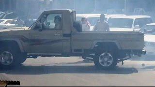 Download Video محاولة سرقة جيب شاص من معرض سيارات في حي النسيم شرق العاصمه الرياض MP3 3GP MP4