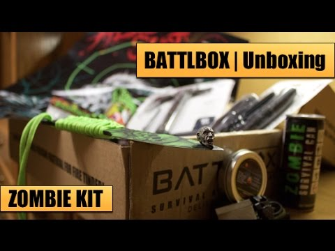 Zombie Survival Kit Unboxing | BattlBox Oct 2015 — Survival Knives, Survival Axe, Paracord