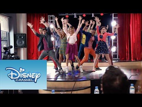 """Violetta: Momento Musical: Todos bailan """"En Gira"""""""