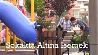 TÜRKİYE'DE SOKAKTA ALTINA İŞEME ŞAKASI