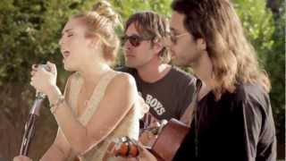 Miley Cyrus - The Backyard Sessions - Look What They