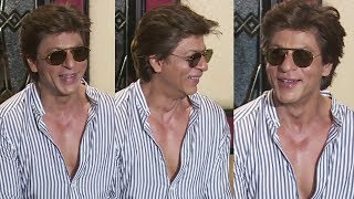 Shahrukh Khan's FUNNY Moments With Reporters At His Birthday Celebration