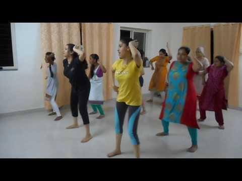 Top Lessi Poddi (Tollywood Dance)