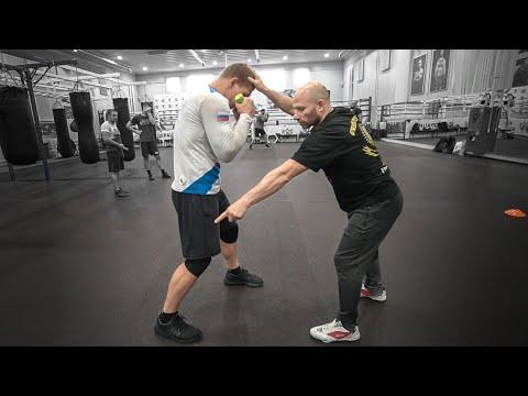После его удара не встают / Тренировка чемпиона России по боксу Артема Сусленкова
