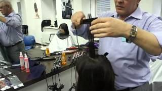 видео Укладка мужской стрижки. Типы волос и укладочные средства.