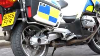 Thames valley police-BMW R1200FT roads polcing unit OU58 FFR at traffic stop with rear reds.
