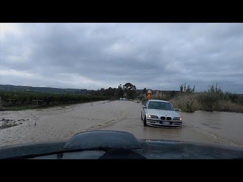 شاهد: دمار كبير في صقلية جرّاء تهاطل أمطار غزيرة