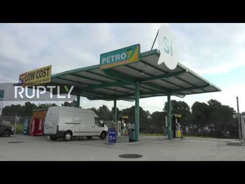 Spain: Gassed up for independence, Catalan petrol station circumvents Spanish taxes
