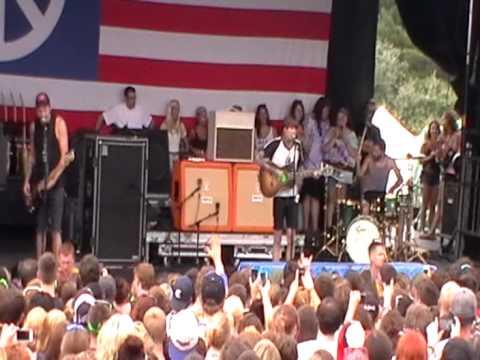NEVER SHOUT NEVER FULL SHOW @ VANS WARPED TOUR BURGETTSTOWN PA 7-18-2013