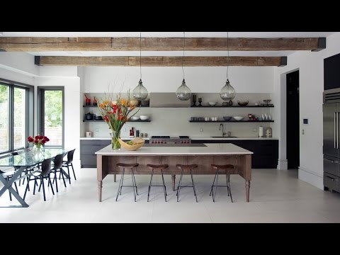 Interior Design – A Warm And Inviting Kitchen With Smart Storage