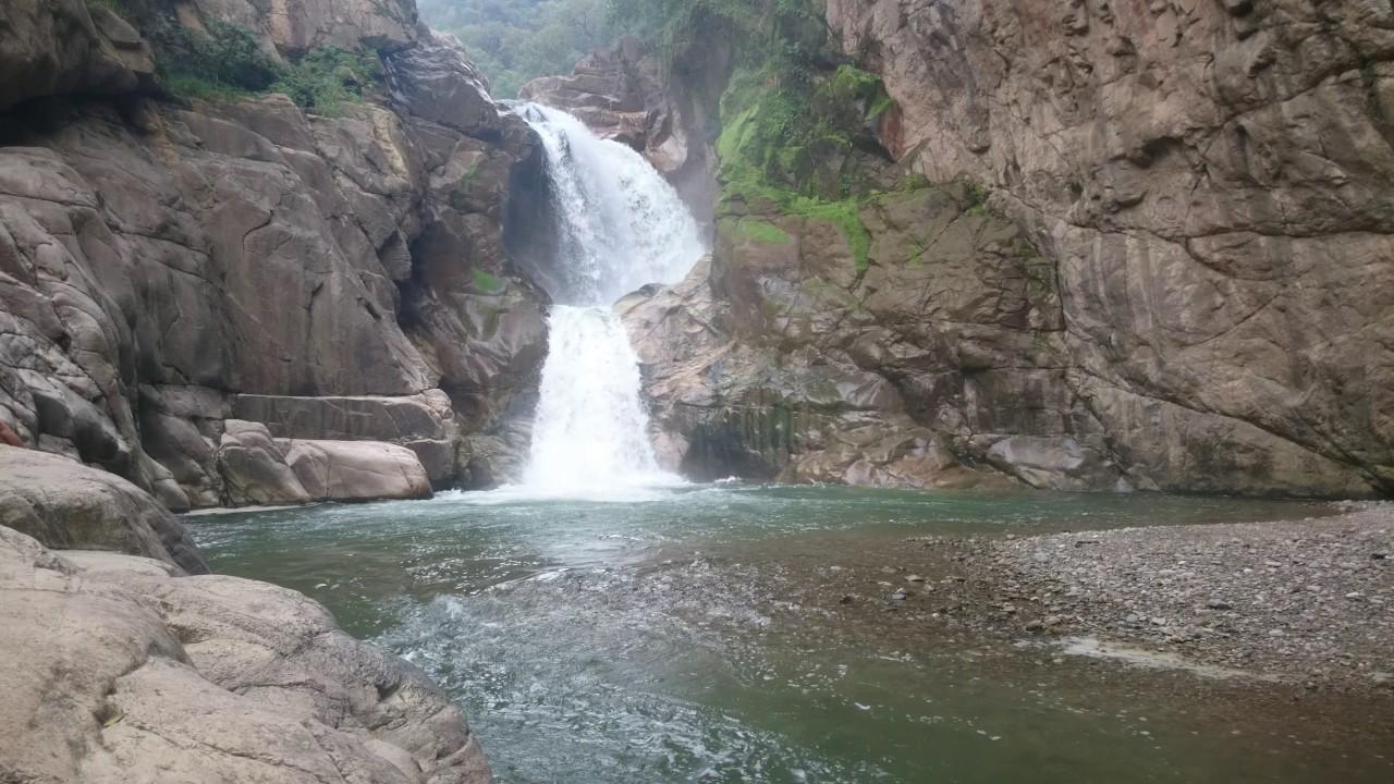 Balneario y cascada el salto sitio tur stico del municipio for Cascada par