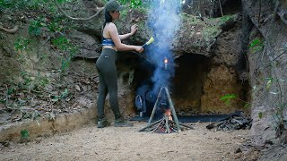 Solo Winter Camping Overฑight - Building an Underground Shelter