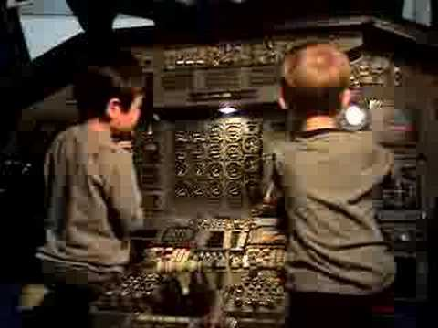 learn how to fly a Boeing SST in Hiller Aviation Museum (II)