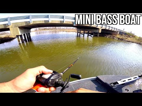 Fishing in the MINI Bass Boat!!! Maiden Voyage