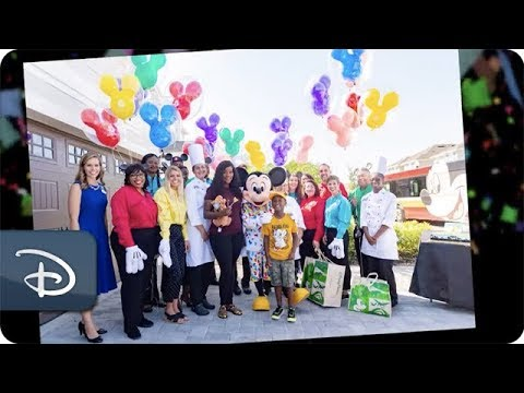 Mike and Mindy - Florida Boy Who Helped Hurricane Victims Gets His Disney Wish!