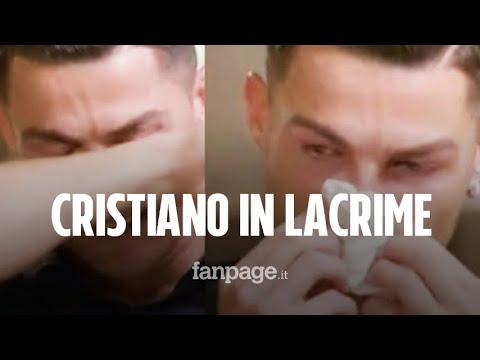 """Cristiano Ronaldo in lacrime, il campione piange durante intervista: """"Mio padre sempre ubriaco"""""""