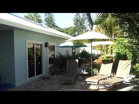 """""""Island Pearl"""" beach house rental at Holmes Beach on Anna Maria Island, Florida"""