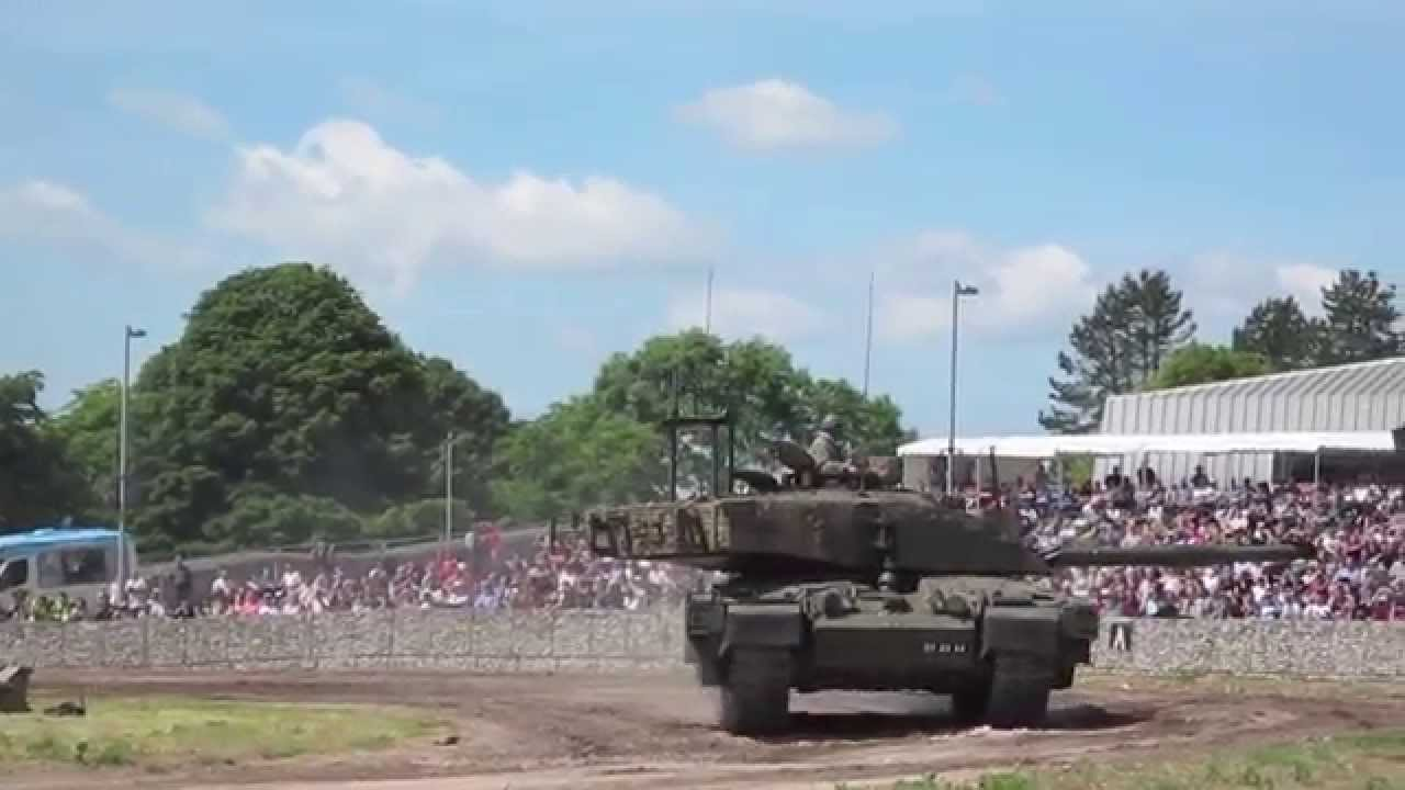 71a9b9c99a98 Challenger 2 - Tankfest 2013