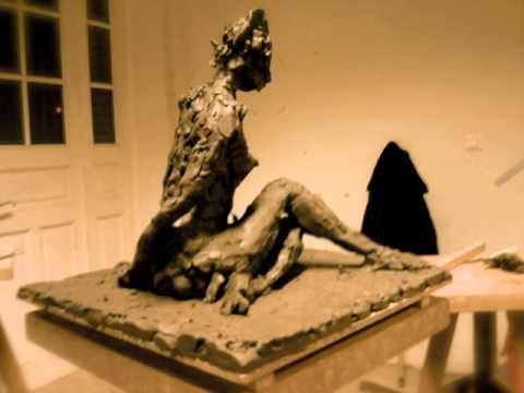 sculpture modelage ronde bosse femme jambes crois es en terre argile youtube. Black Bedroom Furniture Sets. Home Design Ideas