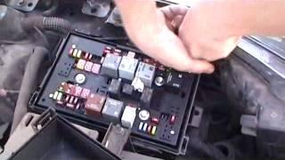Как заменить лампу ходовых огней Opel Astra J?