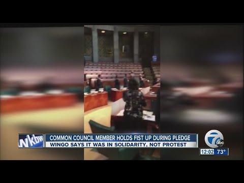 Buffalo Common Council member raises fist during Pledge of Allegiance