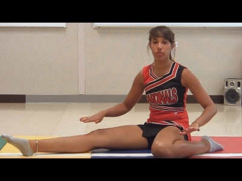Stretch Workout: 10 Minute Cheerleading How to for Flexibility and Splits