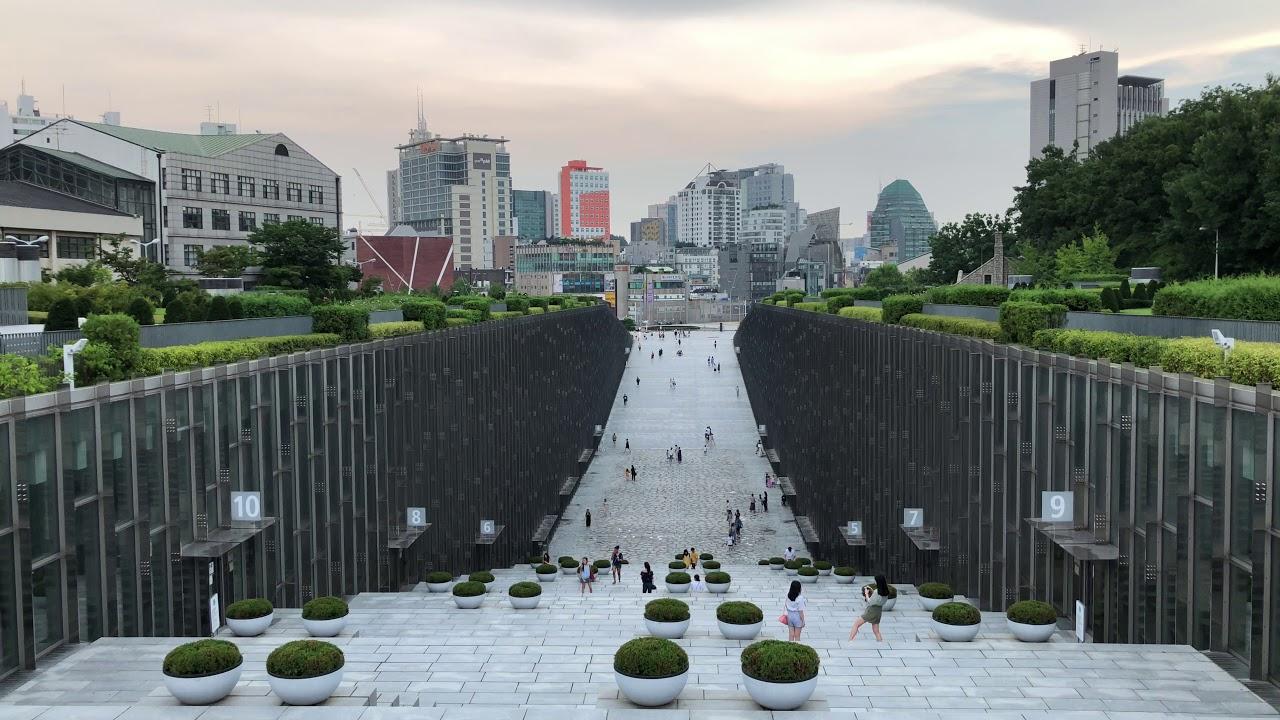 🇰🇷 Ewha Womans University in Seoul, South Korea [4k] - YouTube
