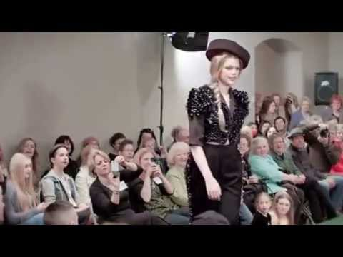 recycled-runway-fashion-show