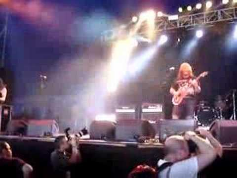Priestess  Lay Down  at Download 2007