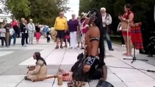 Sendu merdunya seruling suku apache