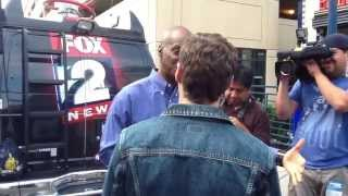 American Idol Detroit 2013: Fox 2 News' Entertainment Reporter Lee Thomas Chats With Ryan Seacrest