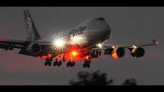 夕暮れの成田空港 ポーラーエアカーゴ (Polar Air Cargo) Boeing 747-46...