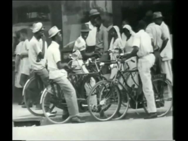 Suriname jaman mbyen : Simbah simbah nandur pari lan intuk gajian.