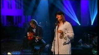 Rosanne Cash, Burn Down This Town. Jools Holland Show.