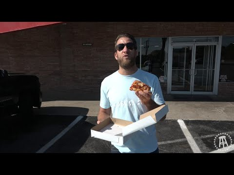 Barstool Pizza Review - Wedgewood Pizza (Youngstown, OH)
