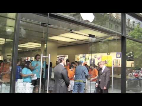 Apple Store Opening ZH Bahnhofstrasse