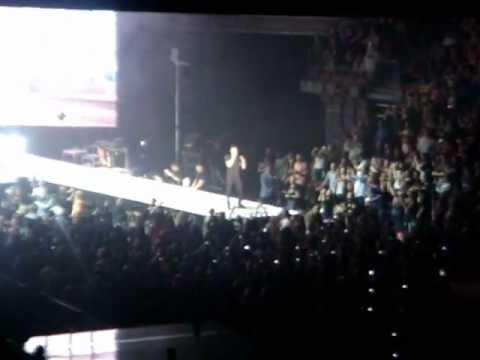 "Maroon 5 ""Makes Me Wonder"" @ Mandalay Bay, Las Vegas on March 16, 2013"
