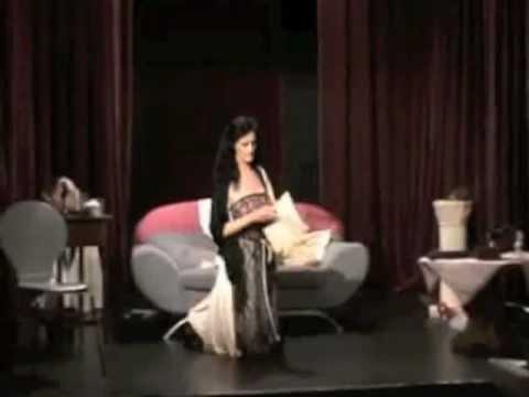 Lisa Houston as the Last Diva on Broadway
