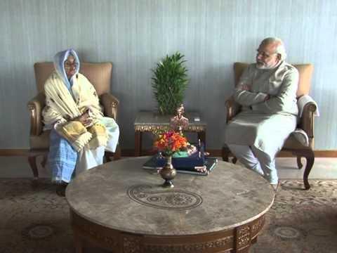 Shri Modi meets Rasoolan Bibi ji, the widow of Param Vir Chakra awardee Shaheed Abdul Hameed