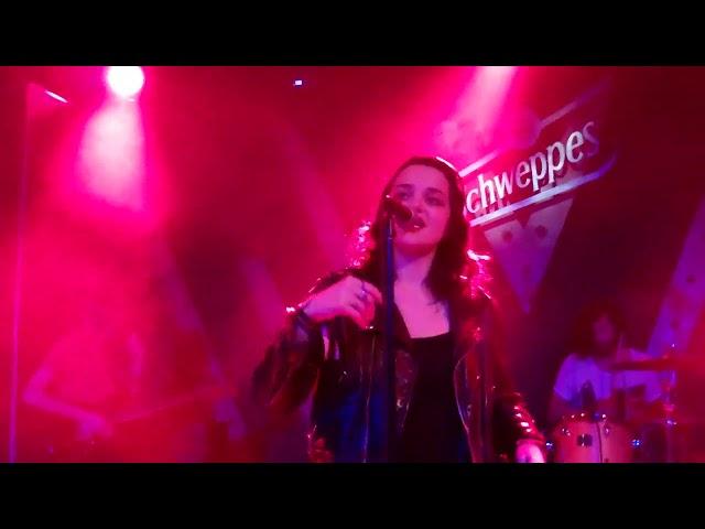 CANNES #2014 SHOWCASE LIVE : SKY FERREIRA Villa Schweppes