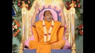 Balihari Hain Tihari Guru - Kirtan with Jagadguru Shree Kripalu Ji Maharaj