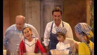 Florian Silbereisen & Rainer Calmund & Kinder - In der Weihnachtsbäckerei 2011
