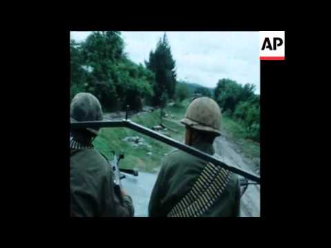 SYND 1 11 75 ARGENTINE MILITARY FIGHTING COMMUNIST GUERRILLAS IN TUCUMAN PROVINCE