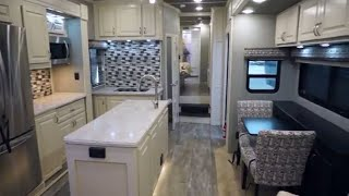 Baixar Luxe Elite luxury fifth wheel extra counter space