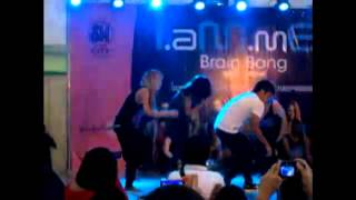 I.aM.mE's Chachi Gonzales Danceing the Ocho-Ocho in the philiipines