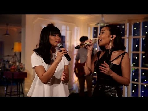 Yura Yunita & Rinni Wulandari - Stay (Rihanna Cover) (Live at Music Everywhere) **