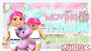 ♡Moving Into Bloxburg With Jamie and Jazzy♡ I Roblox Leah Roleplay (COLLAB)