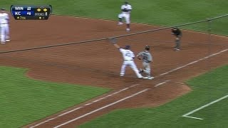 MIN@KC: Royals escape jam on well-turned double play