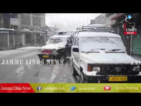 Snowfall in Kashmir valley, rain lashes Jammu